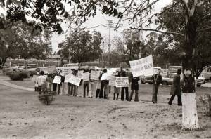 2_Students_Demonstrate_Against_US_Involvement_in_Iran_1977